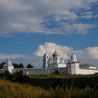 Пейзаж с монастырём. :: Александр Степовой