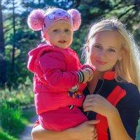 Портрет мамы с дочерью :: Анатолий Клепешнёв