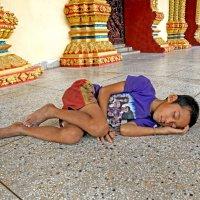 Лаос. Вьентьян. Священный сон :: Владимир Шибинский