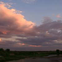Плывут над речкой облака... :: Евгений Юрков