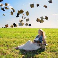 Наташа с книжками :: Женя Рыжов
