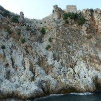 Крепость на вершине скалы :: Галина