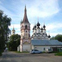 Лазаревская( 1667) и Антипиевская (1745) церкви в Суздале :: Ирина Борисова