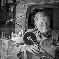 Старый пожарный :: Александр Иванов