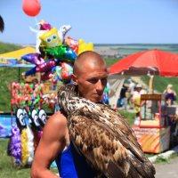 Птица с головой человека! :: Сеня Полевской