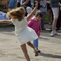 АХ! Закружились  мы  в веселом  танце! :: A. SMIRNOV