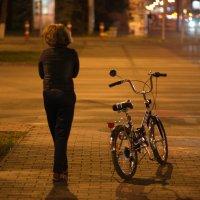 Девочка и велосипед :: Александр Андрианов