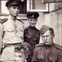 Офицеры. Берлин, май 1945-го. :: Нина Корешкова