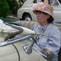 Чопорная дама в автомобиле :: Евгений Кривошеев