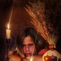 ...и сгорает свет в пламени свечи... :: Владимир Голиков