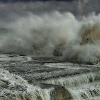 море штормит :: valeriy g_g
