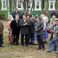 Первая и вторая власть встречает дорогих гостей... :: Николай Варламов