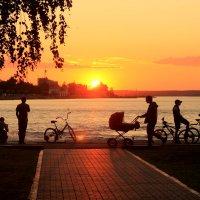 Набережная Онежского озера :: Tasha