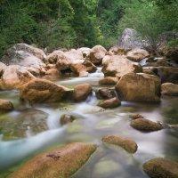 Горная река :: deniil romanenko