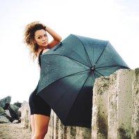 Пляжные прогулки с Кристи :: Артем Нуштаев