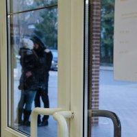 Двое за стеклом, не считая фотографа :: Elena Agaeva