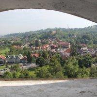 Вид из замка Дракулы на город Бран :: Виктория Ивженко