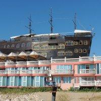 Отель у моря :: Вик Токарев