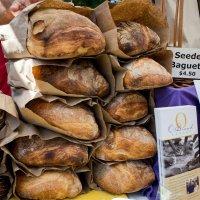 Свежий хлеб на Farmer's Market :: Vadim Raskin