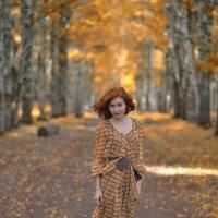 Девушка в парке :: Женя Рыжов