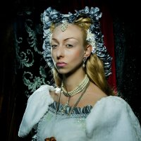 Портрет девушки в средневековом костюме :: Вячеслав Подопросветов