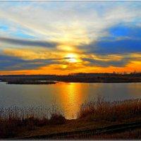 закат на озере :: Сергей Швечков