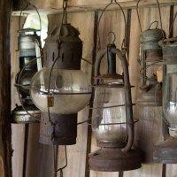 Старые лампы....может загадать желание...? :: Елена