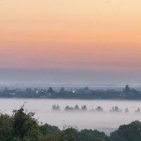 Утро туманное, утро седое... :: Вадим Нечаев