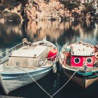 Две лодки в гавани :: Иван Носов