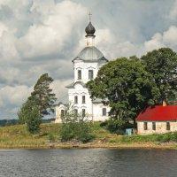 Крестовоздвиженская церковь на острове Столбенском :: Олег Попков