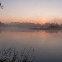 ...на озере...туман... :: Андрей Гр