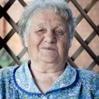 моя бабушка :: Pasha Zhidkov
