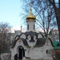Часовня Сошествия Святого Духа в Борисоглебском мужском монастыре :: Galina Leskova