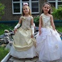 Первый бал. Две принцессы :: Нина Корешкова