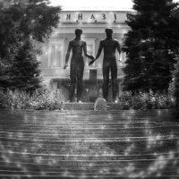 памятникам... :: Таня Новикова