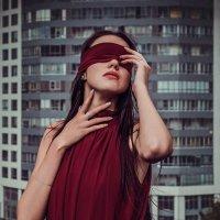 Закрыть глаза и испариться. :: Ксения Спиридёнок