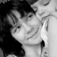Сестра-это подруга,от которой никуда не деться... :: Лариса Красноперова