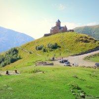 Троицкий  храм в Казбеги. :: Игорь