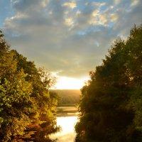 река на закате :: елена