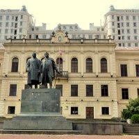 Тбилиси. Памятник Илье Чавчавадзе и Акакию Церетели. :: Игорь