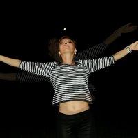 Крым...море..ночь...шашлычки...душа моя пела и летала..)) :: Елена