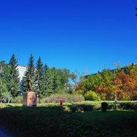 Памятник Космонавту-2 в Бийске. :: Владимир Михайлович Дадочкин