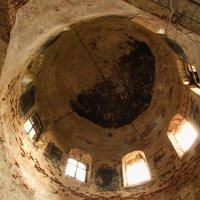 Под куполом собора. :: Лилия Гудкова