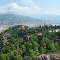 Вид с вершины на Аланию :: Елена Лукожева