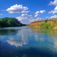 В реку смотрятся облака... :: Пётр Четвериков