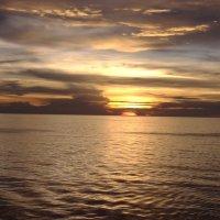 закат в океане :: Анна