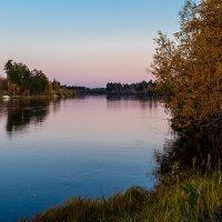 Вечер на реке :: Юрий Сименяк