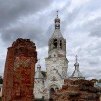 Из руин... :: Евгений Никифоров