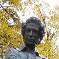 Памятник А.С. Пушкину в Болдино :: Наиля