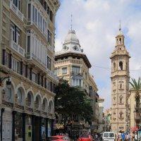 На улицах Валенсии -2 :: Сергей